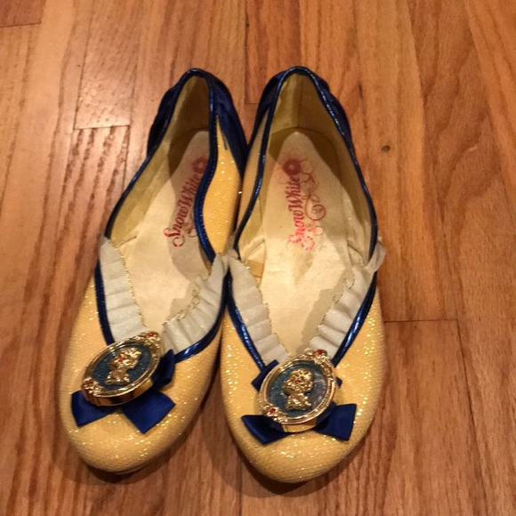 Disney Other - Snow White play shoes
